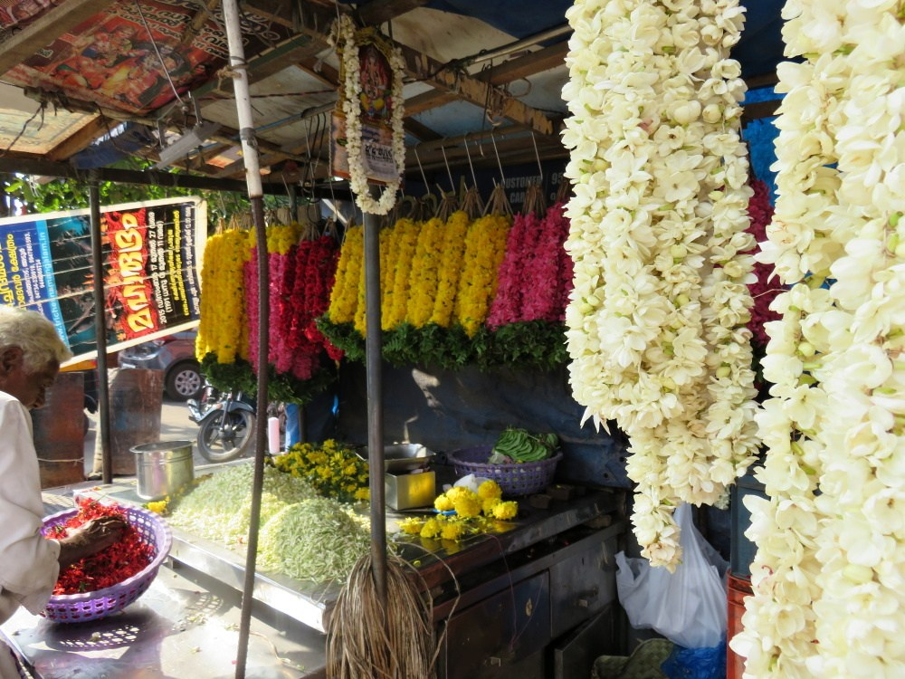 And a flower booth to buy temple offerings.