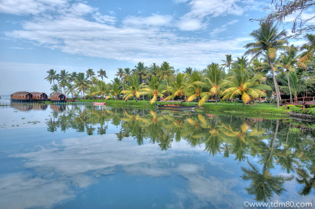 Tdm80_Kerala_Kumarakom_reflection