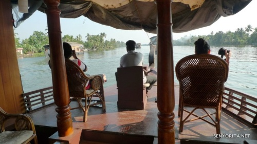 Kerala Backwaters Cruise: Overnight Houseboat Experience